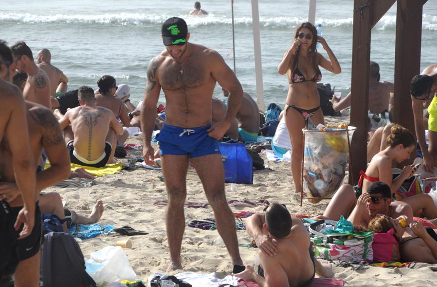 Видео групповой секс на пляже в тель авиве